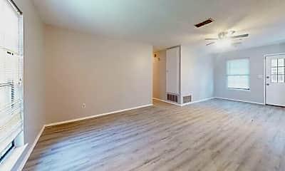 Living Room, 212 Bobbie Ct, 2