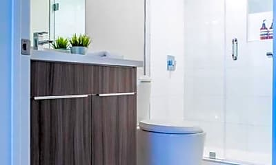 Bathroom, 725 N Alfred St, 1
