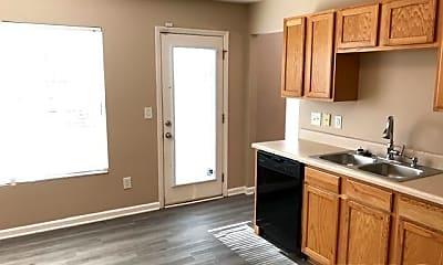 Kitchen, 904 Roxy St, 1