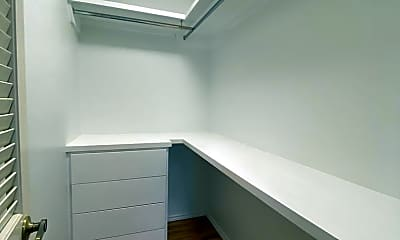 Bathroom, 324 Toronto Ave, 2