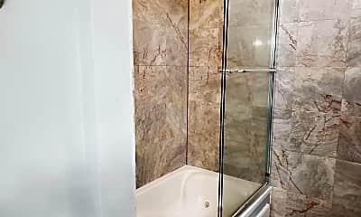 Bathroom, 72 Montre Sq NW, 2