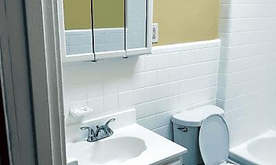 Bathroom, 2657 Carroll St, 2