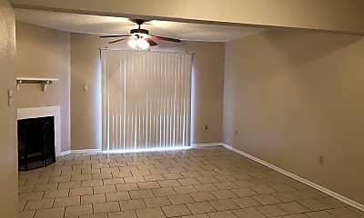 Living Room, 8845 GSRI Ave, 1