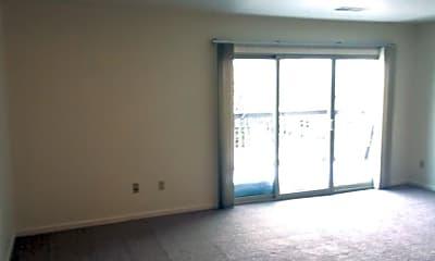Living Room, 1115 Chester Rd, 2