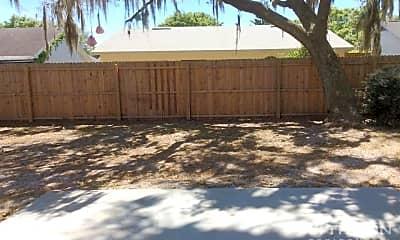 Patio / Deck, 1119 Hardwood Dr, 2