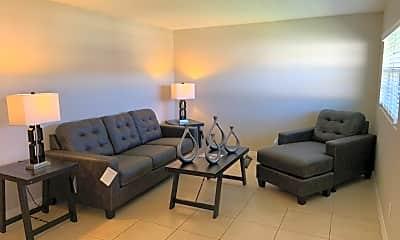 Living Room, 460 Brentwood Dr, 2