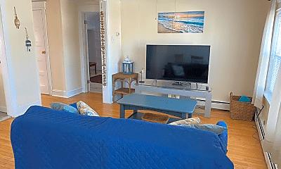 Bedroom, 5500 Calvert Ave, 1