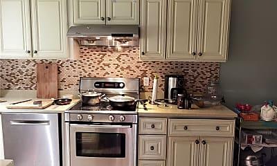 Kitchen, 72 Willets Dr, 1