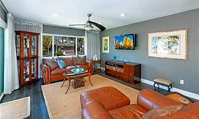 Living Room, 137 Avenida Mateo 2, 1
