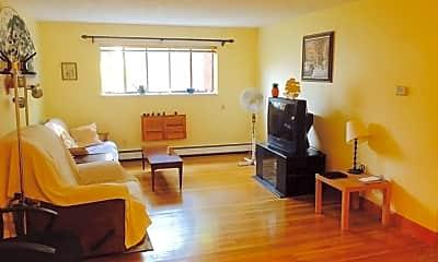 Living Room, 8 Riverside St 1 4, 0