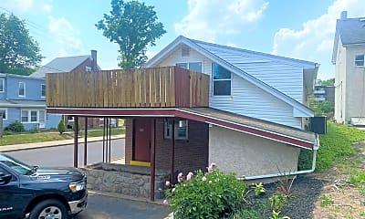 Building, 600 Farmington Ave 2, 0
