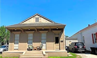 Building, 581 Joseph St, 2