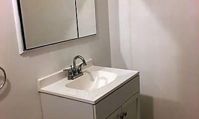 Bathroom, 68A Daffodil Ln, 2