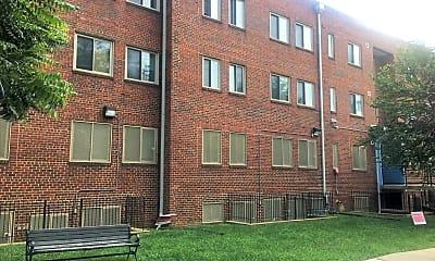 Willis P. Greene Manor, 2