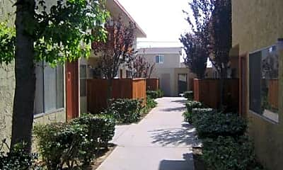 Seabreeze Apartments, 2