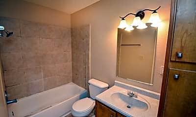 Bathroom, 607 Sherwood Dr, 2