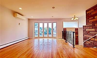 Living Room, 386 White Birch Ln, 1