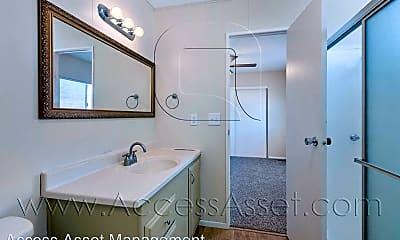 Bathroom, 64628 16th Ave, 2