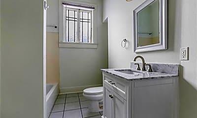 Bathroom, 3208 Palmyra St D, 2