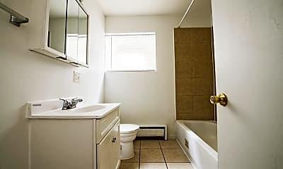 Bathroom, 729 N Central Ave, 2