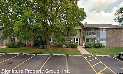 Building, 16W705 Mockingbird Ln, 1