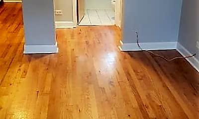 Bedroom, 4228 N Kenmore Ave, 1