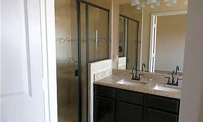 Bathroom, 5003 Sanger Cir Dr 5003, 2