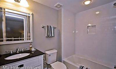 Bathroom, 611 N Pine St, 2