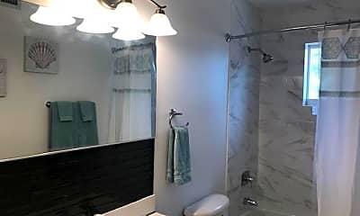 Bathroom, 300 Pierce St 4, 2