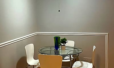 Dining Room, 1005 Des Plaines Ave, 2