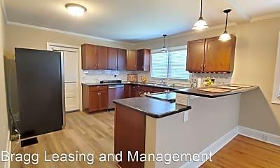 Kitchen, 1432 Pine Valley Loop, 2