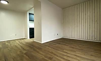 Living Room, 120 E Utopia Ave, 0