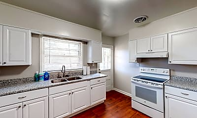 Kitchen, Room for Rent -  a 2 minute walk to bus stop Glenw, 1