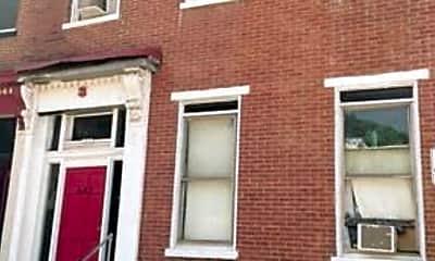 Building, 607 E Carson St, 1