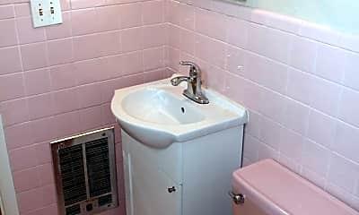 Bathroom, 323 Prospect Ave NE, 2