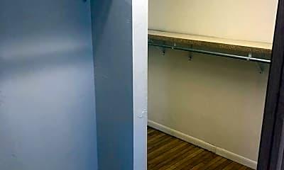 Bedroom, 409 N Broadway, 2