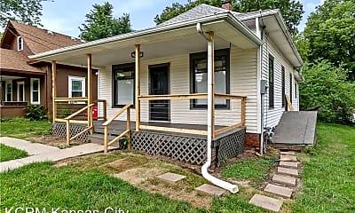 Building, 1106 N Osage St, 1