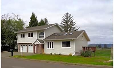 Building, 674 Evergreen Loop, 1