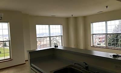 Camden Court Apartments, 2