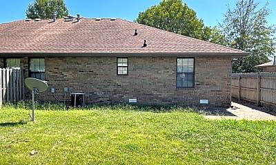 Building, 509 W Warren Ave, 2