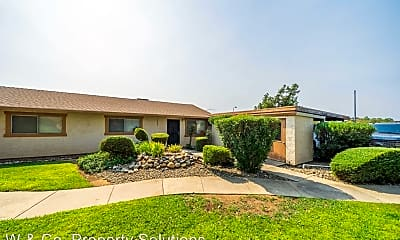 Building, 5576 Mountain View Dr, 1