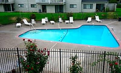 Pool, 1005 Lewis Ave, 2