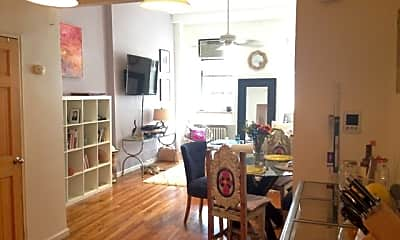 Living Room, 111 E 31st St, 2