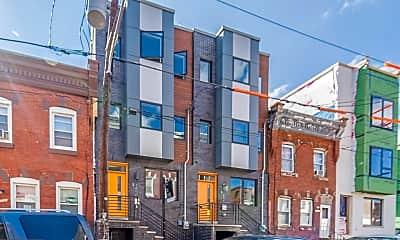 Building, 1456 N Newkirk St, 2