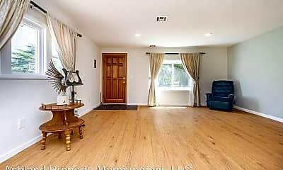 Living Room, 993-1/2 Siskiyou Blvd, 1
