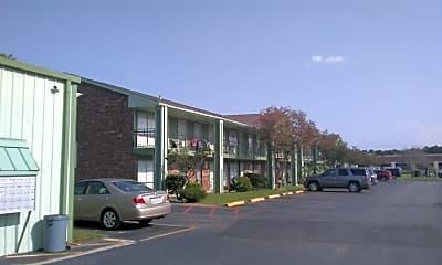 Oakdale Manor, 0