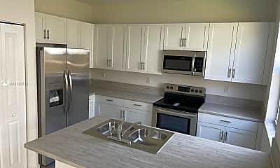 Kitchen, 1635 SE 27th St 1635, 1