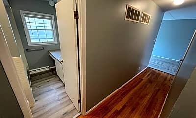 Bathroom, 8503 Gulf Dr, 2