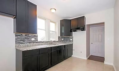 Kitchen, 2525 E 72nd St, 1