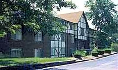 Courtland Manor, 0